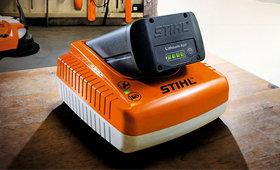 Chargeur Rapide AL 300 pour batteries au lithium-ion
