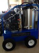 LAVEUSE  PRESSION    eau chaude 4000 lbs  4 GPM