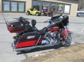 Superbe Harley FLHTK 2 tons rares